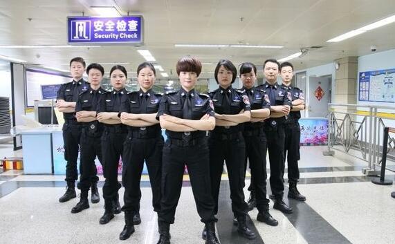 机场安检门:桂林机场安检站多措并举全面提升过检效率.jpg