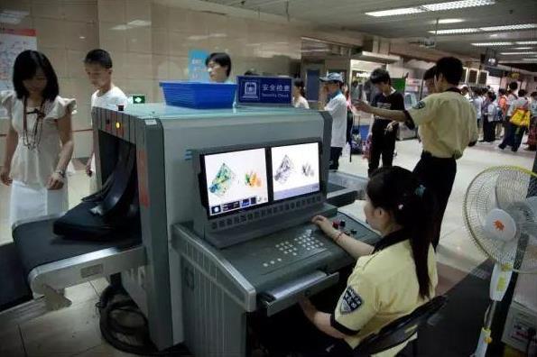 上海地铁安检机检测为什么这么严?.jpg